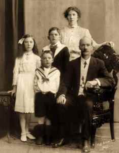 The Parker Family - Charles, Amy with their children Ernest, Iris and John.