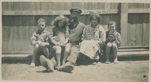 The Daniel Family - Barney, May, Charles, Ida, John about 1920. - Barney Daniel Collection.