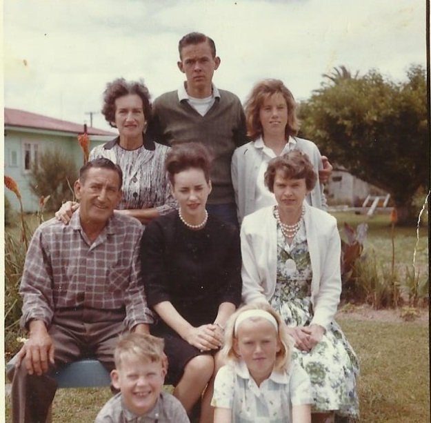 Jim Stanaway and family 1964 - Barney Daniel Collection