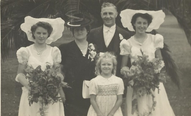 Jim Stanaway and family - Barney Daniel Collection