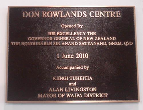 Sir Donald David Rowlands KNZM CBE AM (1926-2015) (4/4)