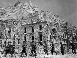 East-Surrey-Regiment-in-the-ruins-of-Monte-Cassino